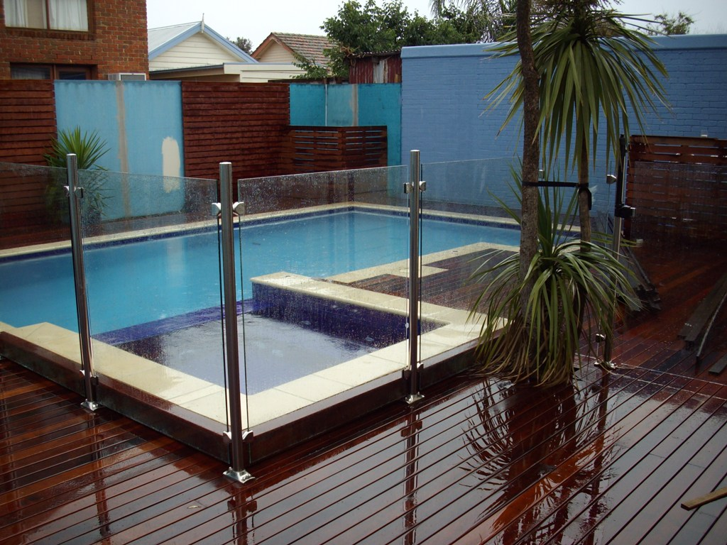 Pool Barriers (Fences) – The Ultimate in Pool Care