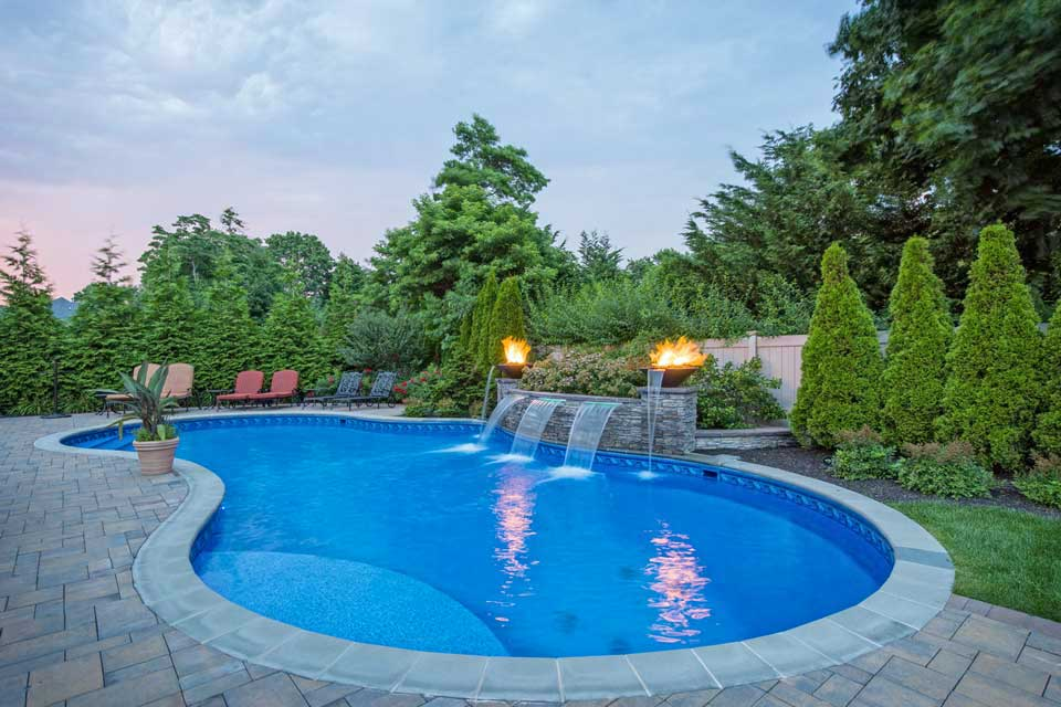 Swimming Pool Special Features -- Fire Pits